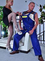 Smoking hot older housewife seduces a hung handyman into a pantyhose fuck