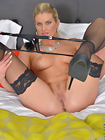 Samantha Snow tease you in a lingerie and stockings