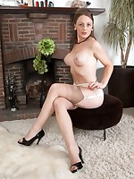Hot UK Tease and Strip Videos, Original 50`s and 60`s Nylons and Lingerie