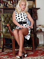 Classy Lana in her ff nylons needs some company!