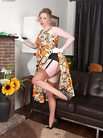 Holly in her full skirted dress and ff nylons!